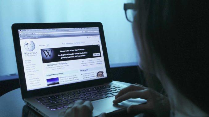 Wikipedia cierra su versión en español por protesta a ley de ... 7072c27b94c06
